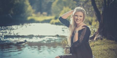 Off-Camera Flash with Alycia White