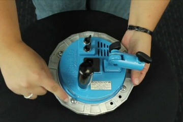 Westcott Product Tip Video: Attaching an Adapter Ring to a Spiderlite TD3