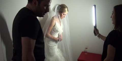 Photographing a Bride at Home with the Ice Light