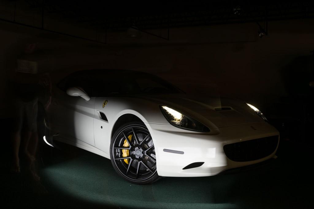 HDycYs0B OMQN84UjSrQkJT VMYDqYXnhrEQhRHw6cQ 1024x683 Chris Garrison uses Light Painting on a Ferrari California