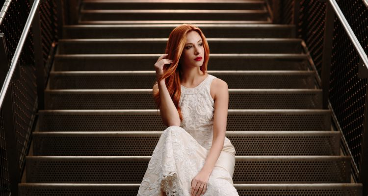 Dynamic Lighting for Bridal Street Portraits (1)