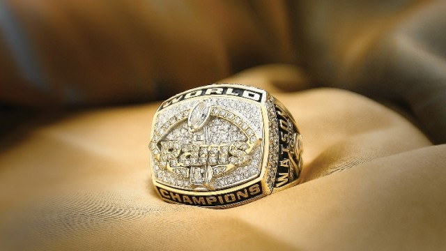 Product Shoot: Super Bowl Ring Shot with Strobelite Plus