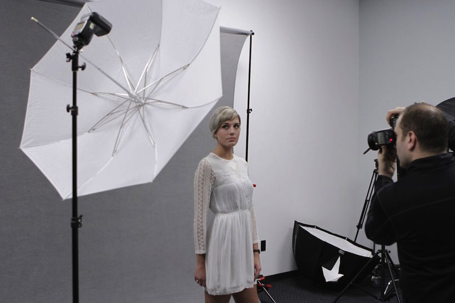 Photo Umbrella Guide - Shoot-Through Umbrella BTS