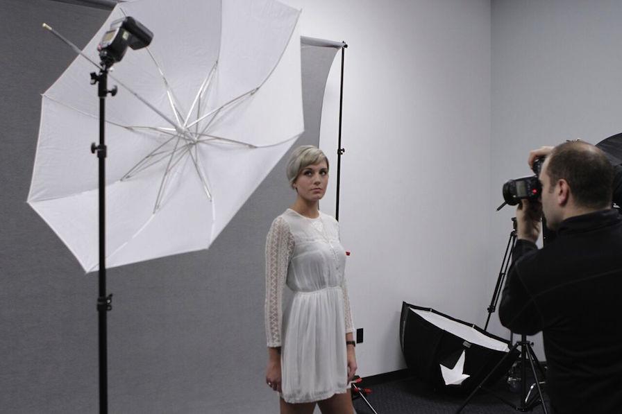 Photo Umbrella Guide - Shoot-Through Umbrella BTS